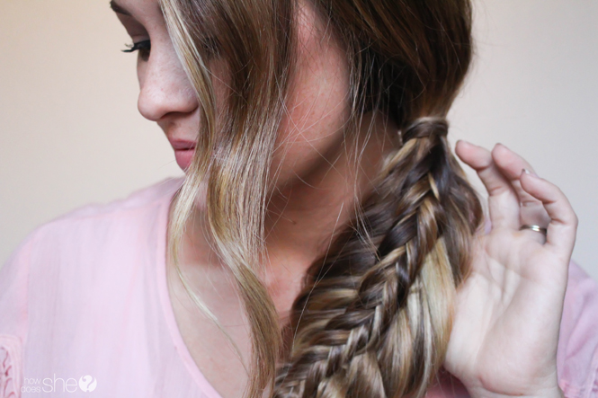 how to stack a fishtail braid